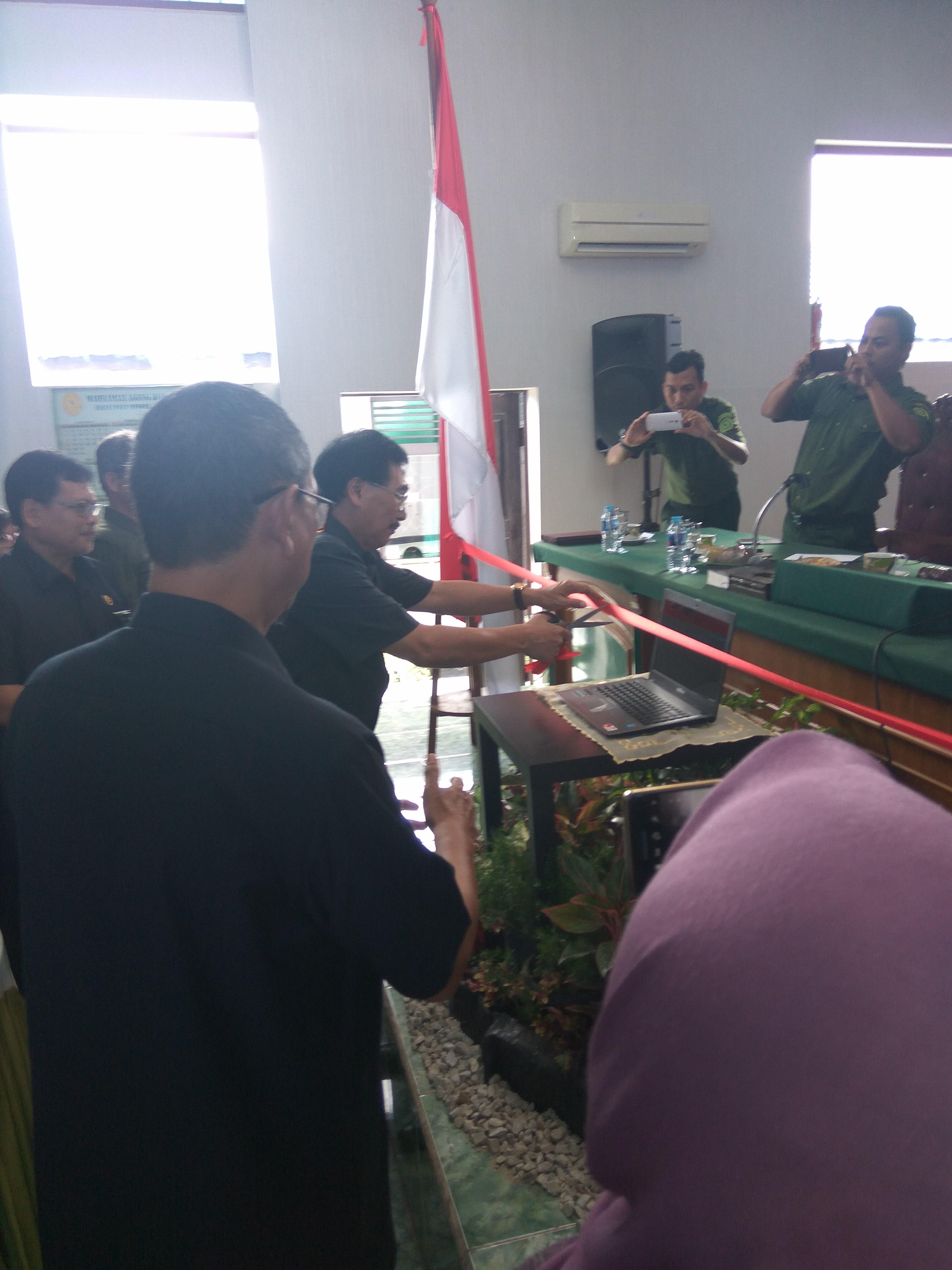SOFT LAUNCHING Peresmian Pemasangan Aplikasi Sistem Peningkatan Mutu Pengadilan Tinggi Pekanbaru (Riau-Kepri) Pada Pengadilan Negeri Bengkalis Sebagai Pengadilan Negeri Percontohan